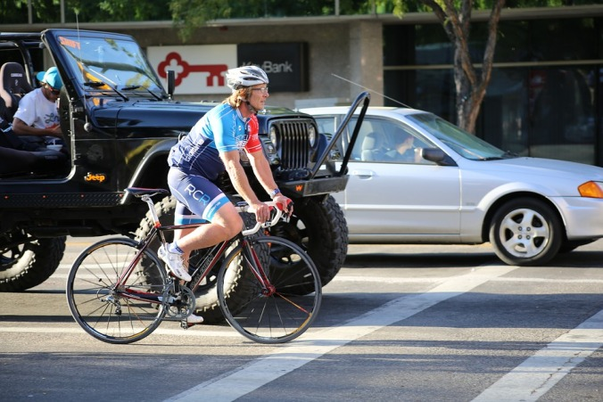 cyclist-at-stop-light